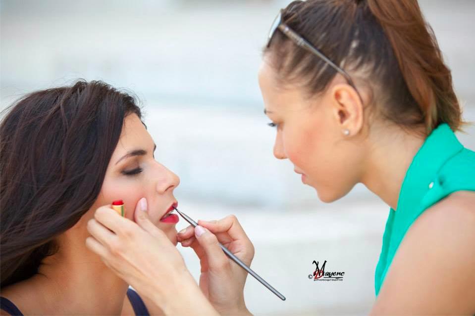cola artiste maquillage