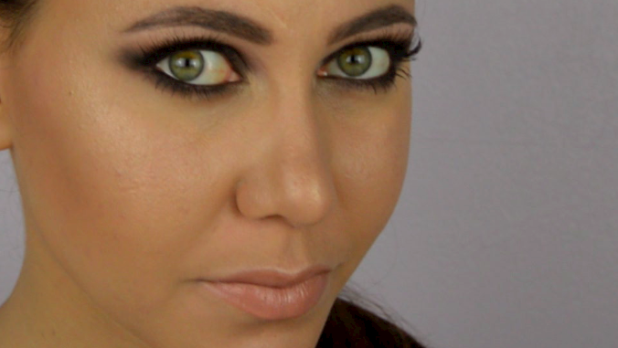 maquillage smoky eyes noir