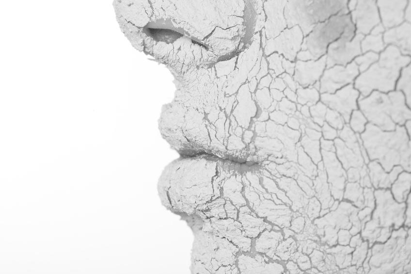 peau du visage qui pèle extra sèche