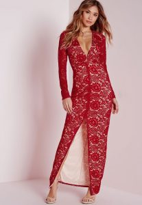 Robe rouge femme fatale