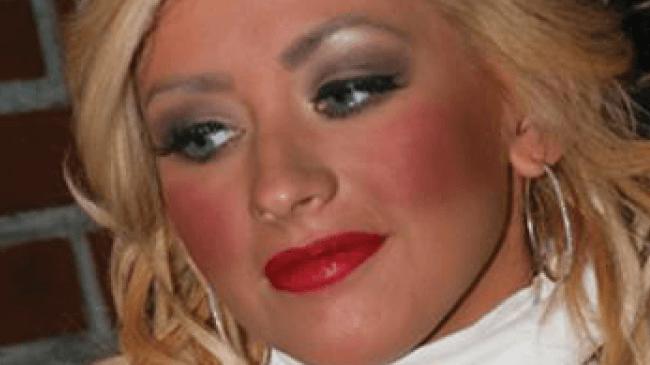 christina aguilera trop de blush