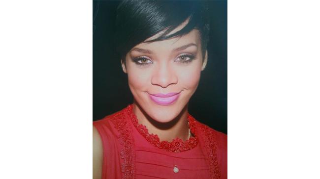 Rihanna 1er tuto makeup