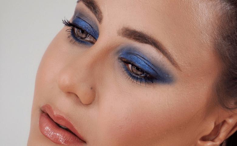 maquillage smoky bleu